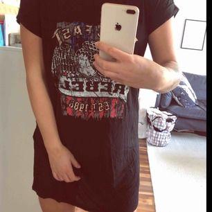 Oversized T-shirt klänning från Madlady