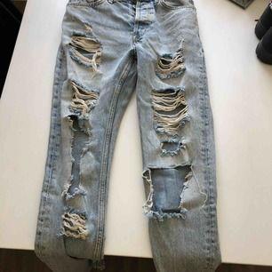 Jeans från bikbok, sällan använda!