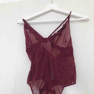 String-body. Aldrig använd eller provad.   Kan mötas upp i Kalmar, annars står köparen för frakt på 39 kronor. Ansvarar inte för Postnords slarv.
