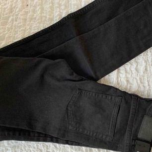 Helt oanvända cheap monday jeans köpta på weekday. Stl W28 L22 Köparen står för frakten :)