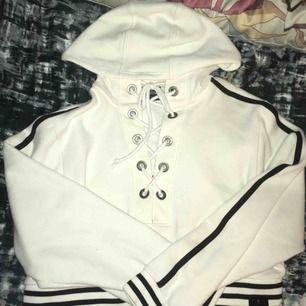Fenty x puma hoodie. Köpt på zalando (äkta)