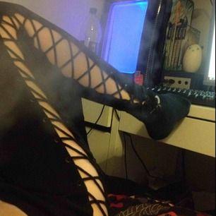 Fenty Rihanna x puma tights!! Kan ta bättre bilder vid intresse. (Obs röken är från en vape)