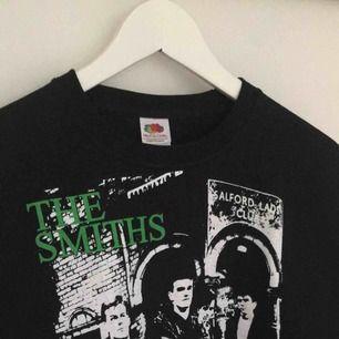 The Smiths T-shirt storlek M, endast använd ett par gånger. Möts i Örebro eller så betalar köparen frakt (39kr)!