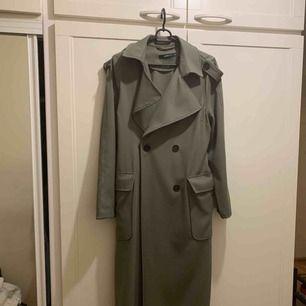 Gina tricot trench coat! Nyskick,! Perfekt för våren