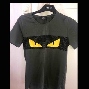 Oanvänd Fendi t-shirt (A-kopia)