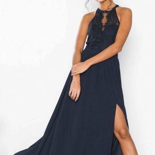 En jätte fin balklänning köpt för 1400kr aldrig använd pga fel storlek