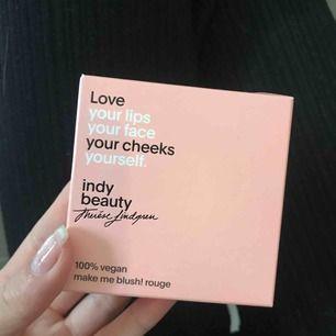 Therese Lindgrens egna indy beauty blush i färgen jasmine🤤 helt oanvädt och oöppnat