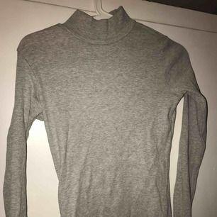 Grå turtleneck tröja från lager 157, oanvänd.