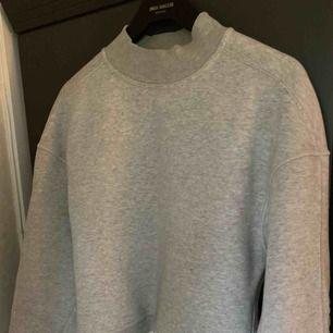 Ljusgrå tröja från Calvin Klein Jeans
