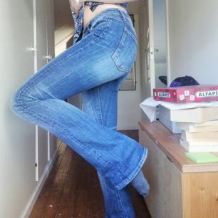 Jeans från Crocker i storlek 26/33.