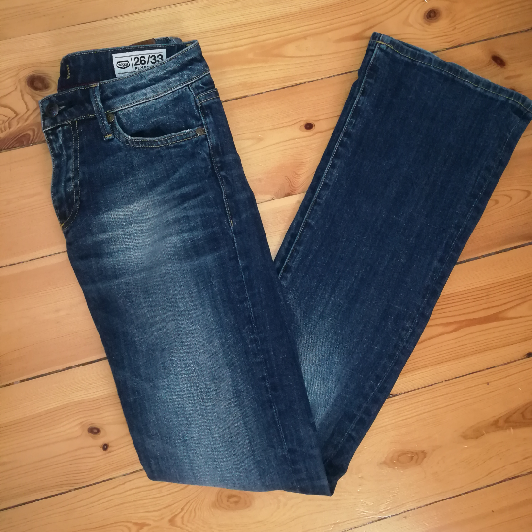 Jeans från Crocker i storlek 26/33. . Jeans & Byxor.