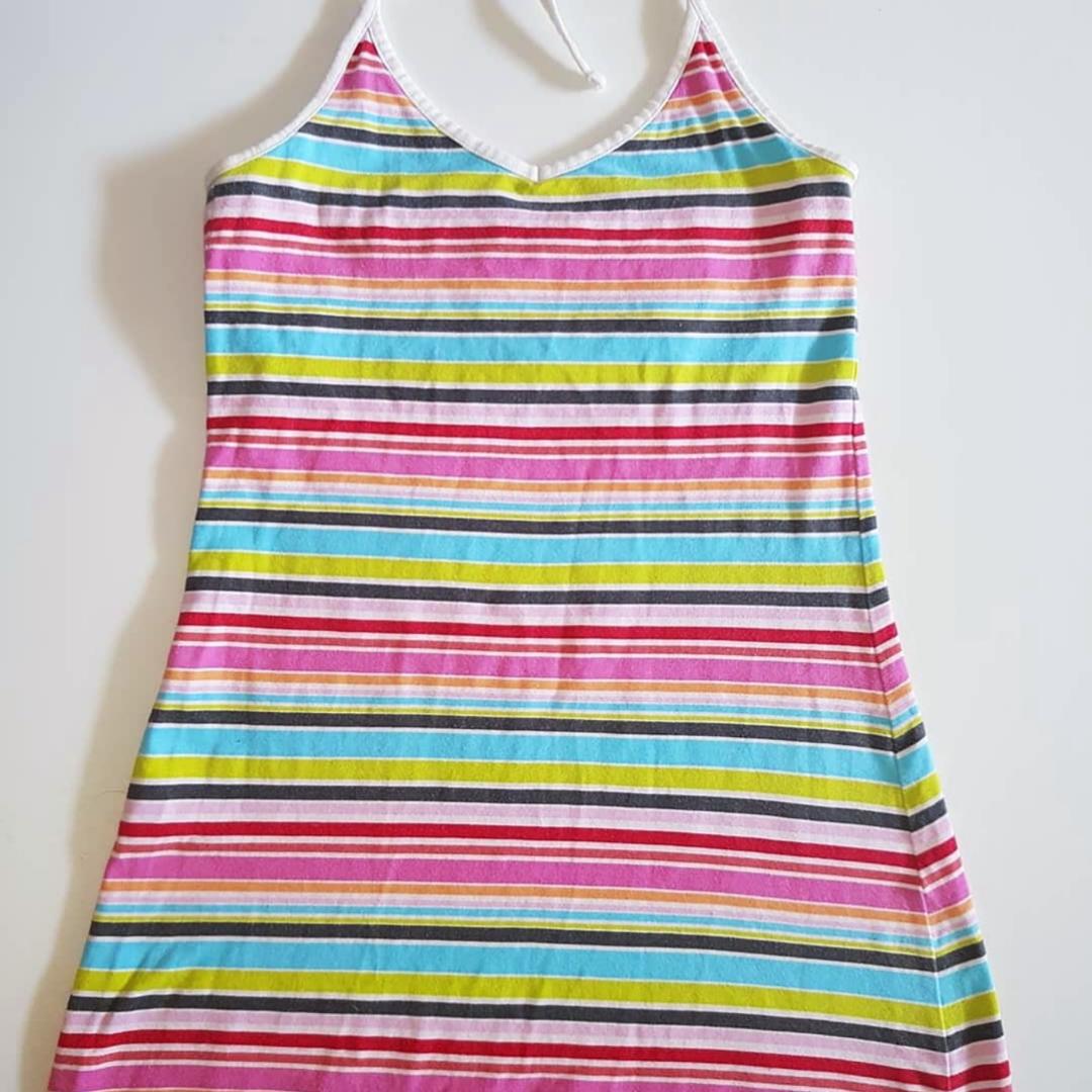 Randig solklänning. Regnbågens alla färger. . Klänningar.