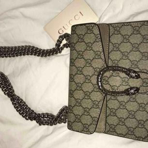 Gucci A-kopia köpt i Kina på ett utav deras bästa A-kopia ställen för 2300kr. Ej prutbar