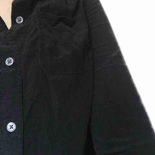100%linne skjorta från levis, original pris 900kr