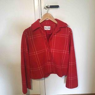 Säljer min röd rutiga jacka från NA-KD ✨✨