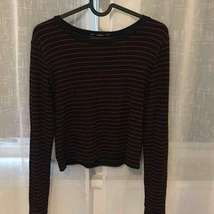 Super skön långärmad tröja från Zara. Aldrig använd. Köparen står för eventuell frakt, eller så kan jag mötas upp i Stockholm.