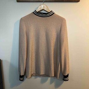 Underbar blus/tröja från sisters point. Nypris: 599:-.