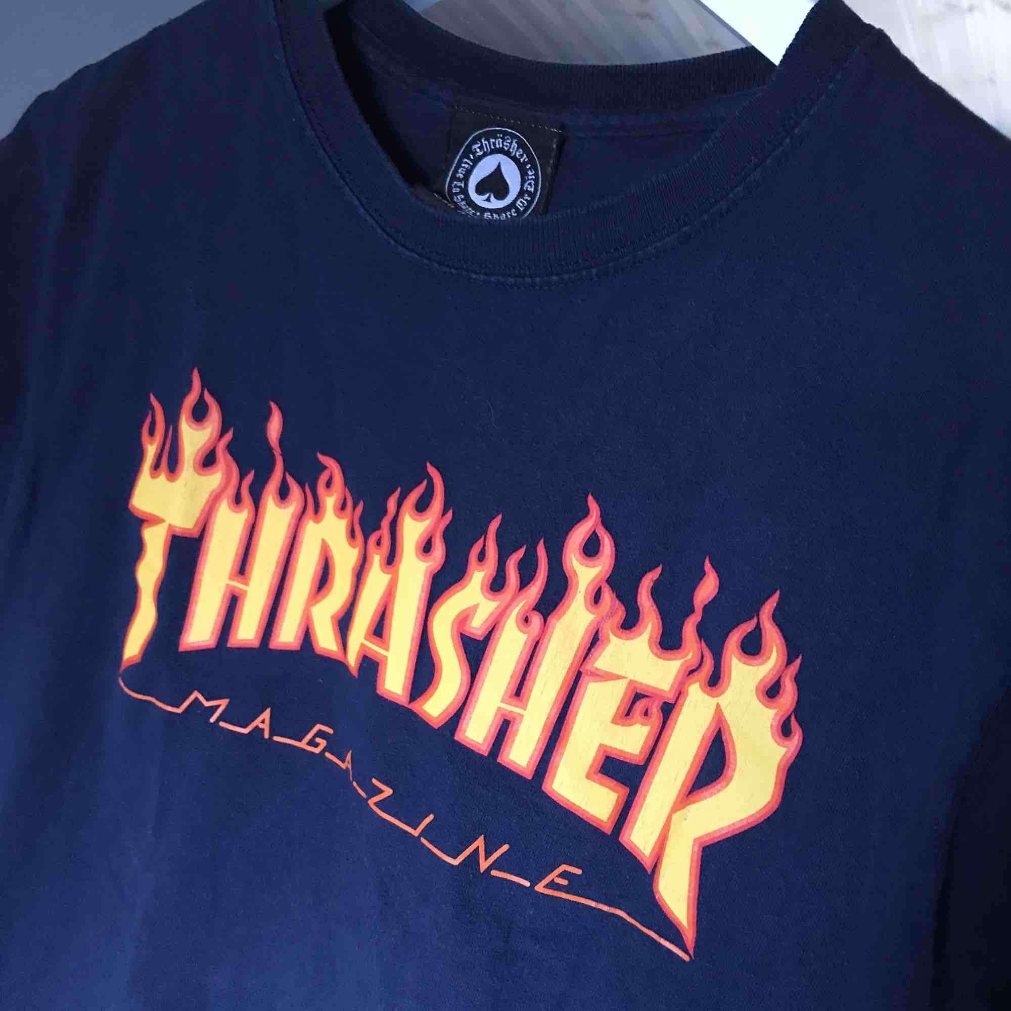 Trasher tisha, äkta Köparen står för frakt 🌟. T-shirts.