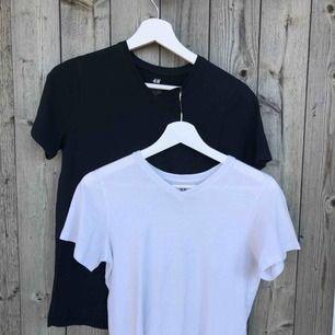 """Två basic t-shirt 50kr/st (75 för båda) köpt på """"kill"""" avdelningen men funkar lika bra för tjejer!!!"""