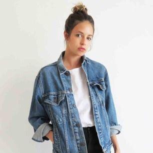 Jeansjacka från H&M i storlek s/m