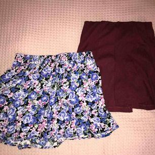 Två kjolar! Ena med ett fint blommigt mönster som är väldigt bekväm! Aldrig använd och är från Forever 21 🥰 Andra kjolen är vinröd och ribbad! Sitter lite tajtare än den andra och är väldigt fin! Från Cubus!❤️ Få en kjol för 20 och båda för 35!