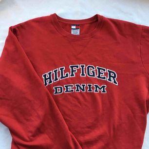 Supersnygg Hilfiger tröja! Kan mötas upp i Malmö eller frakta :)