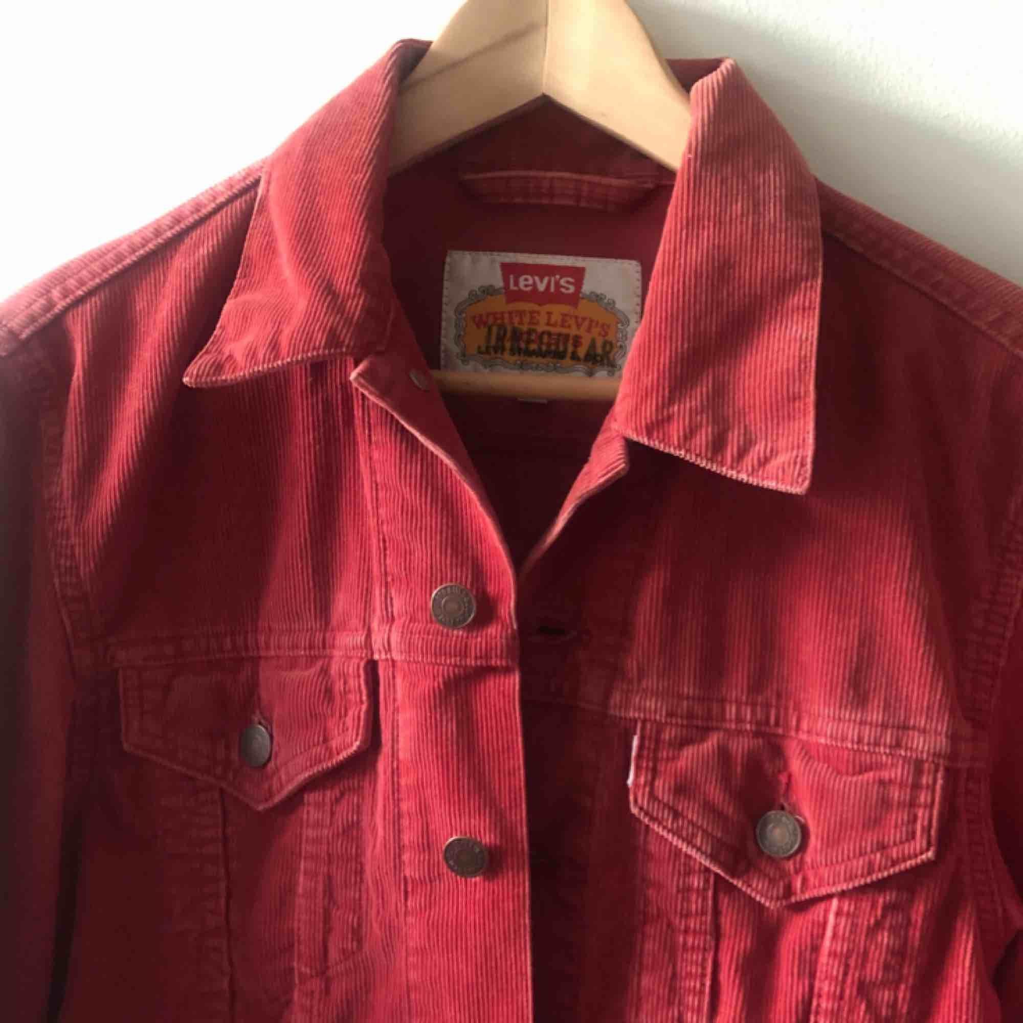 51053c9a3653 Vintage Manchester jeansjacka från Levis. Troligtvis tidigt 80-tal.