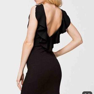 Ny klänning från NLY, prislapp kvar! Kan skicka bilder på klänningen vid intresse!