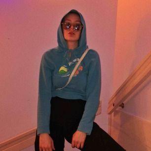 Snygg o skön Hollister hoodie perfekt till sommaren mycket luftig säljer för att jag har för stor garderob men annars e den snygg som fan! #hoodie