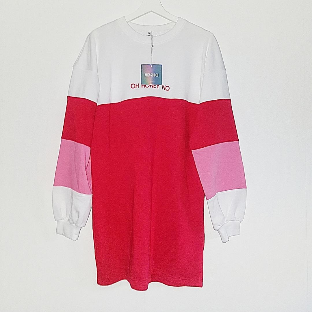 Skitsnygg sweatshirtklänning från missguided. Helt ny med lapparna kvar! 63 kr i frakt. . Tröjor & Koftor.