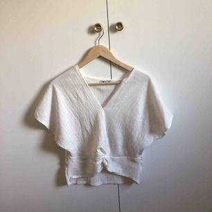 en snygg tröja från zara, som har kommit till användning 1-2ggr och därför säljer jag den 🌟