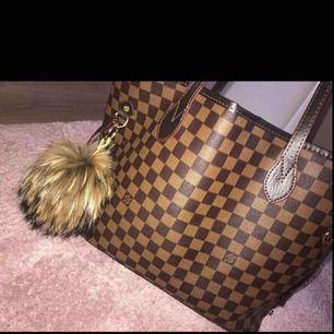 Louis Vuitton kopia i storlek M! I väldigt fint skick!