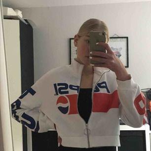 Pepsi tröja från hm, köpt för runt 200, knappt använd