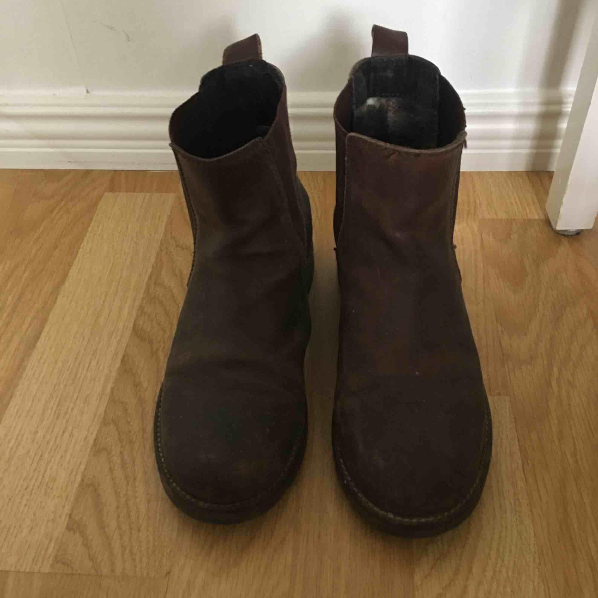 Bruna jodphurs i äkta läder från Park West, DinSko. Skor.