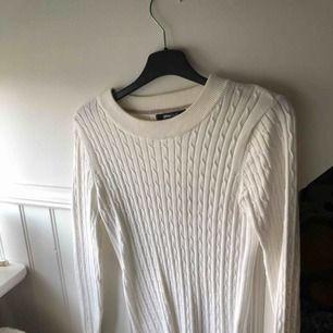 Stickad tröja från Gina Tricot! Oanvänd. Frakt tillkommer
