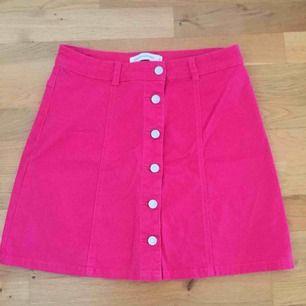 Jättesöt rosa kjol från vero Moda!