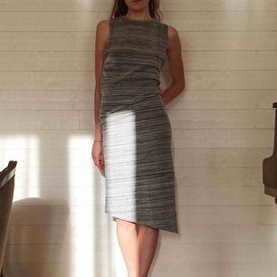 Tunn och mjuk klänning som passar till vardags och på fest