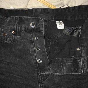 Assnygga gråa Jeans i ganska bra skick. Vintage fit. High Waist.