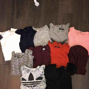 Säljer ett stort klädpaket i storlek: XS-S Blandat med kläder, tröjor, byxor, klänningar, koftor, tunikor, linnen. 34 plagg