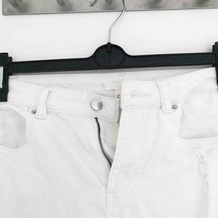 Vita trashed jeans i fint skick🌸🌸