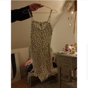 Söt klänning eller tunnika