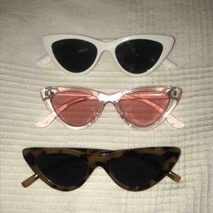 Jättefina glasögon från hm, säljs pga att dom inte används. 75kr styck  eller alla för 150 kr. Kan mötas upp i Sthlm eller så står köparen för frakt :)