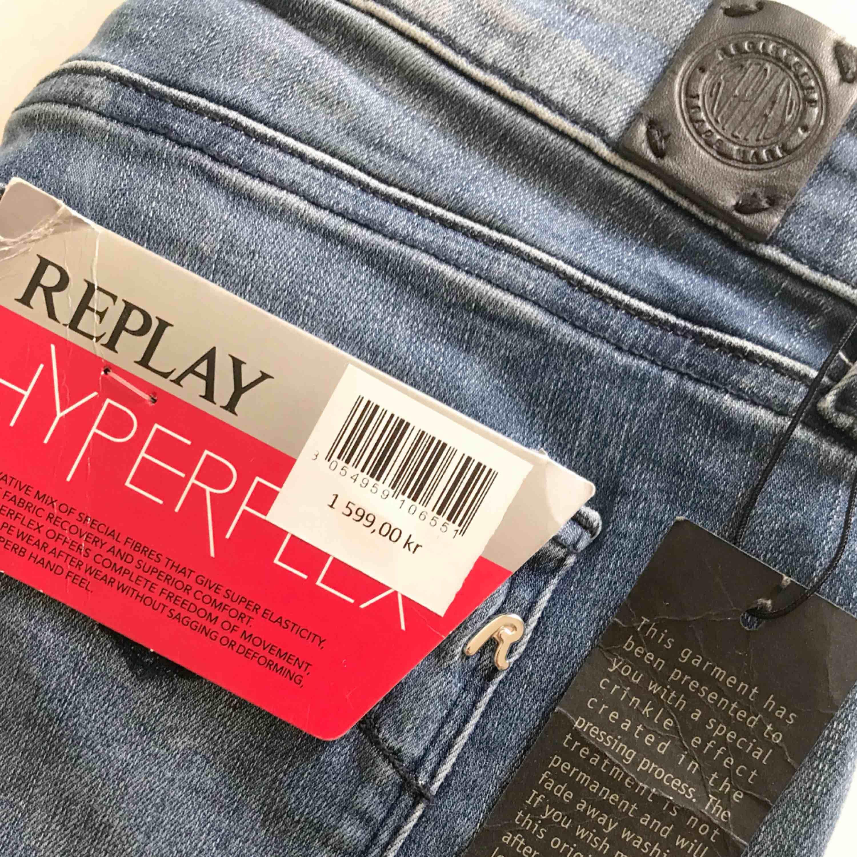 Replay Hyperflex Luz Pant W Blue, helt oanvända. Waist: 26 Length: 30 Nypris 1599. Jeans & Byxor.