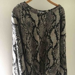 Långärmad tröja från Zara, så fin verkligen! 🤙🏼💜 Helt oanvänd och har inte kommit till användning. 🥰⚡️