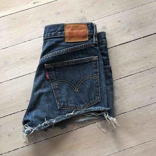 Levi's shorts, köparen står för frakt (49 kr)