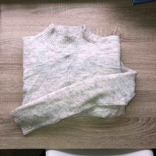 Gråmelerad långärmad mysig tröja 💓