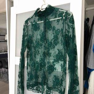 Knappt använd tröja från bik bok. Storlek L men passar M