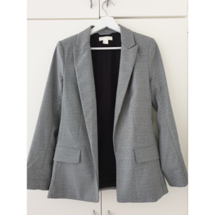 Grey Blazer from H&M. Very few times used, like new. Size S/34