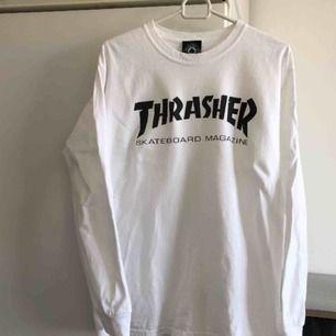 Thrasher tröja långärmad  storlek Medium , den är fläckfri och i bra skick!