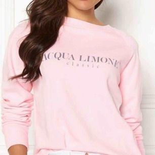 Acqua Limone tröja, sparsamt använd. Pris kan diskuteras vid snabb affär, vid fler intresserade blir det budgivning 😊